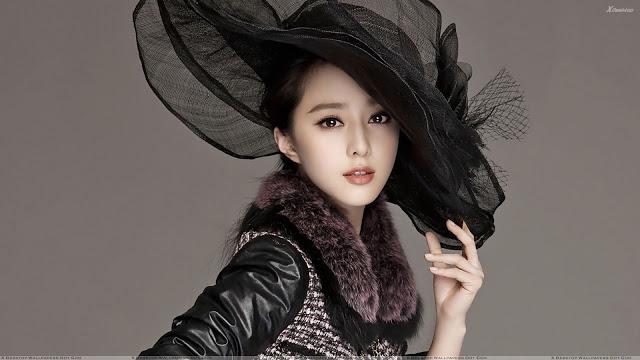 Beautiful Pose Of Fan Bingbing In Black Dress N Black Hat