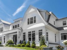 TRADITIONAL HOME SIZZLES IN THE HAMPTONS