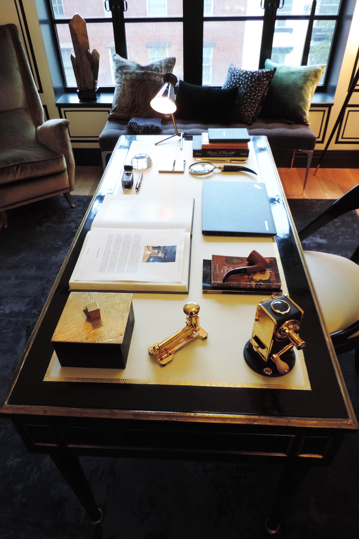 hh-scarpadis-desk